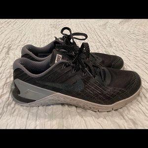 Women's Nike Metcon 3 Size 9